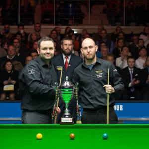 Selt, right, lost to Stephen Maguire in Portugal - photo courtesy of Monique Limbos.